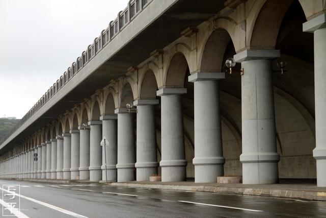 開基百年記念塔・北防波堤ドーム・北海道稚内市・画像・旅すずめ・与平