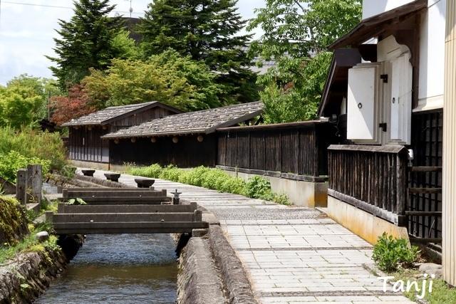21 96 山形県金山町、金山の町並み、大堰、画像  Yamagata Kaneyama.jpg
